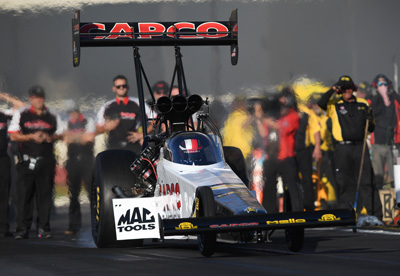 TOP FUEL ROUND 1 (11 30 a.m.)  Steve Torrence s round-win streak reached 21  but it wasn t easy or pretty as his Mello Yello Capco car faltered just off  the ... c721230e2b44