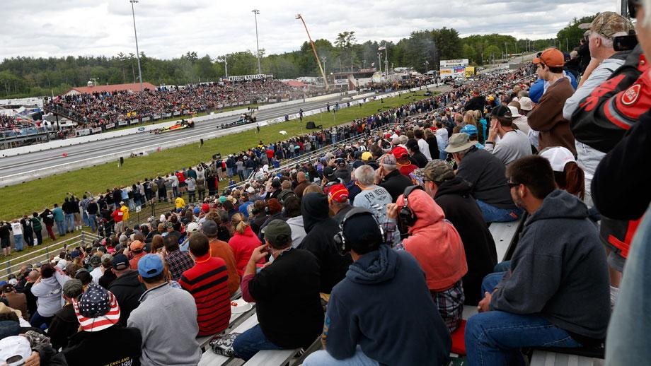 Crowd at New England Dragway