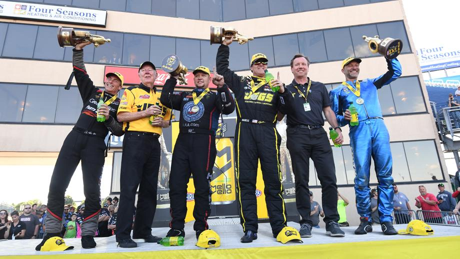 Chicago winners take the stage with Jeg Coughlin Sr.
