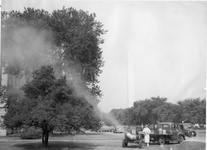 Buffalo Turbine Spraying United States Capitol