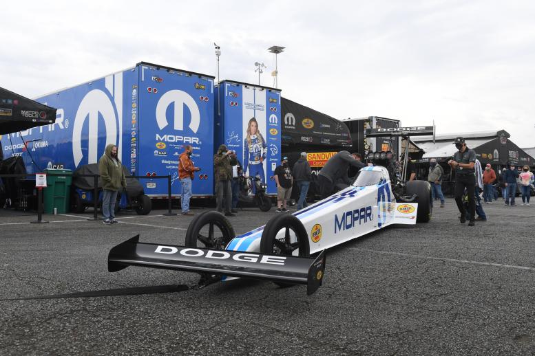 Leah Pruett's Mopar team readies for battle