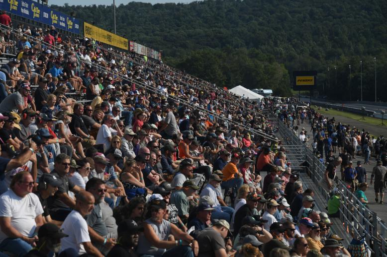 Fans at Maple Grove Raceway