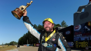 Gray Motorsports Shane Gray raises the Wally in Gainesville