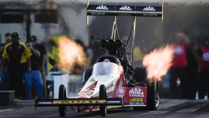 Doug Kalitta races to the top of the pack in Charlotte