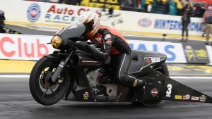 Andrew Hines gets his first win of the season in Pomona