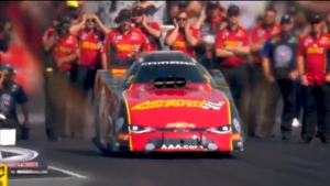 Courtney Force defeats John Force to assert herself as Funny Car favorite